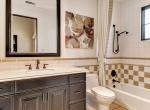 98th Guest Room 1 Bath