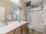 28233 N Welton Place San Tan-small-017-5-Hallway Bathroom-666x444-72dpi